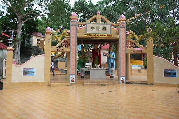 Chùa Long Sơn Thạch Động